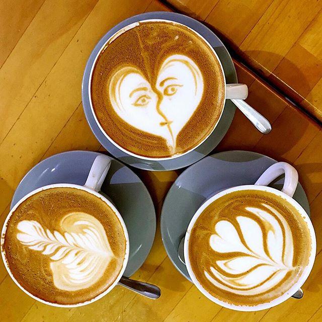 #Repost @sdtan1229 (@get_repost)・・・Avocado Coffee Float 🥑 & Cafe Latte️