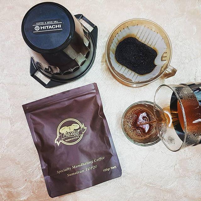 #Repost @erwin_chen• • •#coffee #homebrew #manualbrew #kopi #mandheling #mandhelingcoffee #sumatera #macehat #macehatcoffee