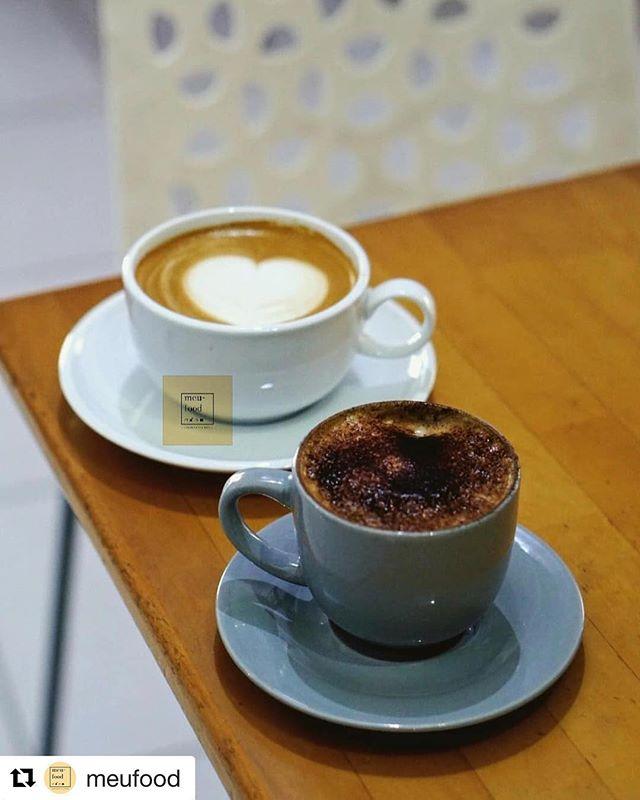 #Repost @meufood with @get_repost・・・@macehatcoffeeJalan Karo 20 Medan..Berdua lebih baik kan. Paling gak ada sensasi foto itu berubah2. Uhuk..Macehat ini berupa lalu yang lupa. Asal muasal yang terlupakan. Di kedai ini kita selalu disibukkan dengan Avocado Coffee dengan alasan lemak tak jenuh. What!! Ngeles anda. Coba deh sesekali duduk minum kopi lattenya yang sama nikmatnya...#meufood #macehat #macehatcoffee #instagood #kulinermedan #kuliner #medan #makananituseksi